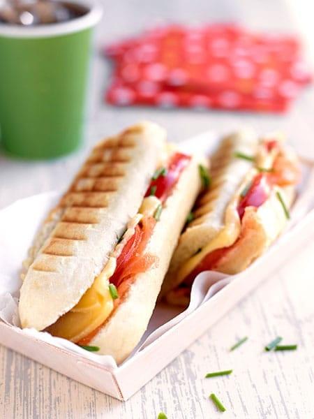 Panini met Passendale, tomaten en gerookte zalm