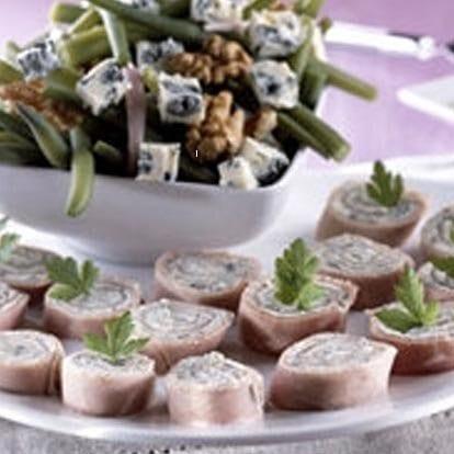 Salade van sperziebonen met rolletjes Saint Agur