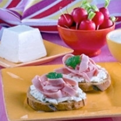 Boterhammen met Chavroux en ham